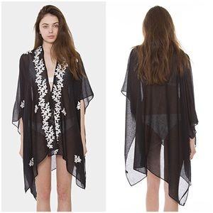 🆕Black Ivory Floral Kimono